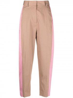 Зауженные брюки с лампасами Alberto Biani. Цвет: нейтральные цвета