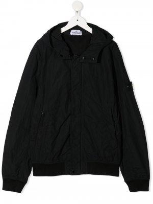 Куртка с капюшоном и нашивкой-логотипом Stone Island Junior. Цвет: черный