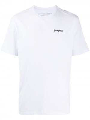 Футболка P-6 Logo Responsibili-Tee® Patagonia. Цвет: белый