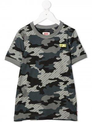 Levis Kids футболка с камуфляжным принтом Levi's. Цвет: синий