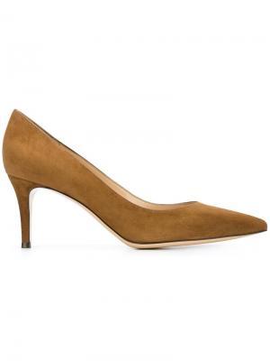 Туфли с заостренным носком Gianvito Rossi. Цвет: коричневый