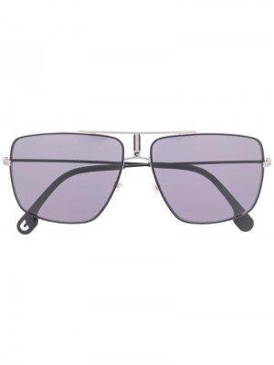 Солнцезащитные очки в массивной оправе Carrera. Цвет: серый