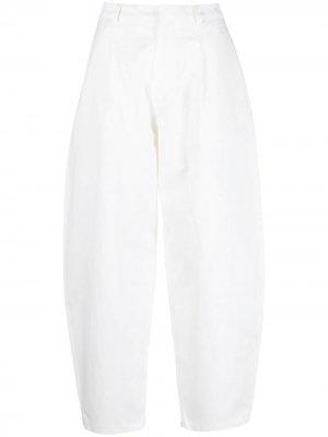 Зауженные брюки со складками Sara Lanzi. Цвет: белый
