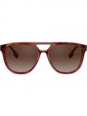 Солнцезащитные очки-авиаторы Burberry Eyewear. Цвет: коричневый