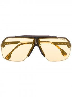 Солнцезащитные очки-авиаторы Carrera. Цвет: коричневый