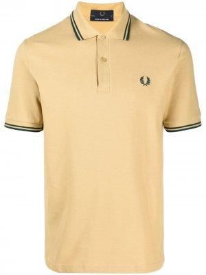 Рубашка поло с вышитым логотипом FRED PERRY. Цвет: золотистый