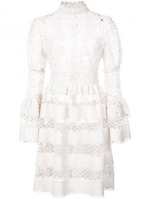 Кружевное платье с узором и оборками Anna Sui. Цвет: белый