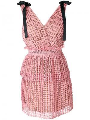Короткое платье с вырезными деталями Self-Portrait. Цвет: розовый
