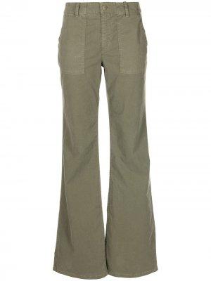 Расклешенные брюки с карманами Nili Lotan. Цвет: зеленый