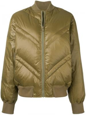 Дутая куртка-бомбер By Malene Birger. Цвет: зеленый