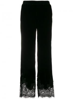 Спортивные брюки с кружевной отделкой Gold Hawk. Цвет: черный