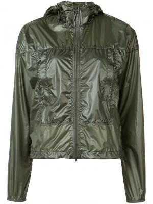 Куртка-ветровка с капюшоном Canada Goose. Цвет: зеленый