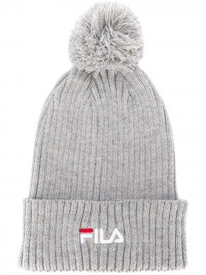 Шапка бини с вышитым логотипом Fila. Цвет: серый