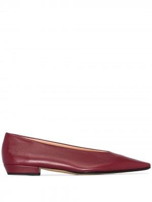 Балетки с заостренным носком Bottega Veneta. Цвет: красный