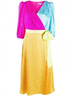 Платье в стиле колор-блок с запахом и леопардовым принтом Olivia Rubin. Цвет: желтый
