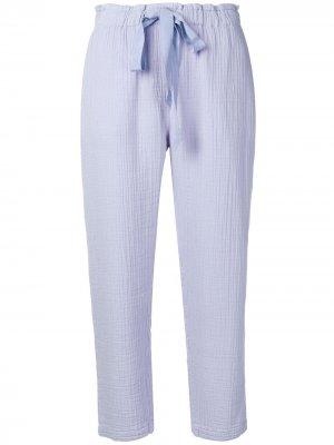 Укороченные брюки Raquel Allegra. Цвет: фиолетовый