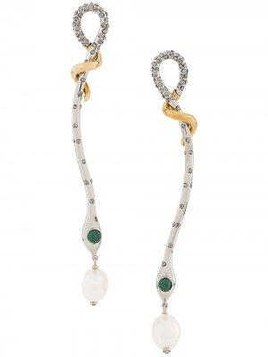 Серьги-подвески в форме змеи с кристаллами Chloé. Цвет: серебристый