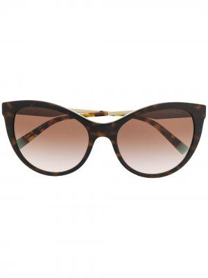 Солнцезащитные очки в оправе кошачий глаз Tiffany & Co Eyewear. Цвет: коричневый