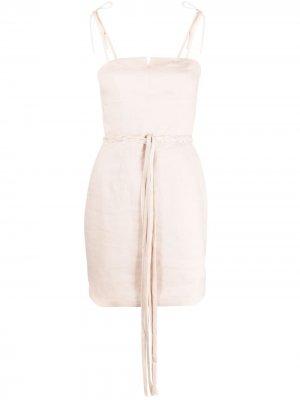 Короткое приталенное платье Instinct RAQUETTE. Цвет: нейтральные цвета