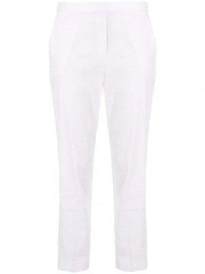 Укороченные зауженные брюки средней посадки Theory. Цвет: белый