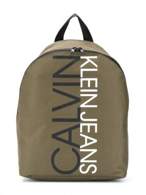 Рюкзак с логотипом Calvin Klein Kids. Цвет: зеленый