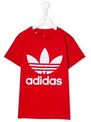 Футболка с логотипом adidas Kids. Цвет: красный