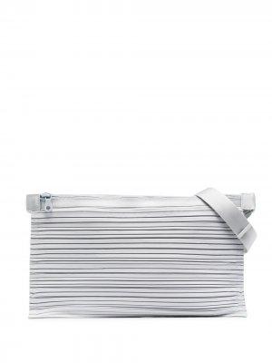 Плиссированная поясная сумка Pleats Please Issey Miyake. Цвет: серый