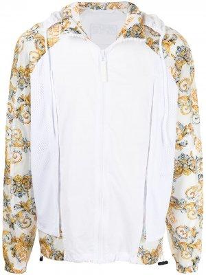Спортивная куртка с принтом Baroque Versace Jeans Couture. Цвет: белый