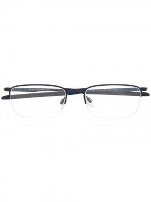 Очки в полуободковой оправе Oakley. Цвет: синий