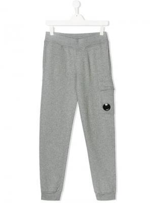 Спортивные брюки с эластичным поясом TEEN Cp Company Kids. Цвет: серый