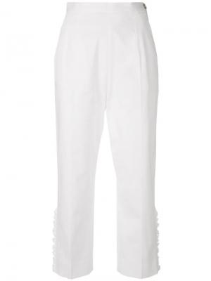 Укороченные брюки с оборками I'M Isola Marras. Цвет: белый
