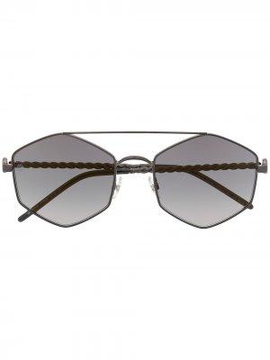 Солнцезащитные очки в геометричной оправе Elie Saab. Цвет: серый