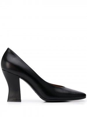 Туфли с квадратным носком Roberto Festa. Цвет: черный