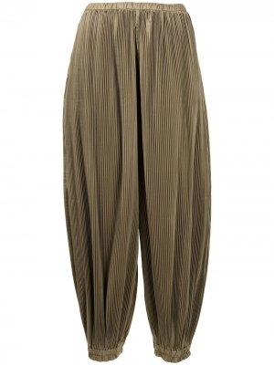 Плиссированные зауженные брюки Enföld. Цвет: зеленый