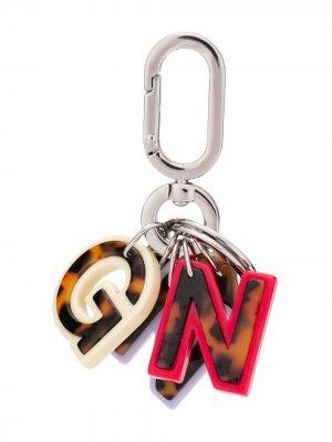 Брелок с логотипом GANNI. Цвет: коричневый