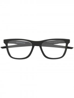 Очки в квадратной оправе Oakley. Цвет: черный