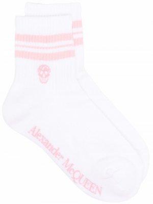 Носки с логотипом Alexander McQueen. Цвет: белый