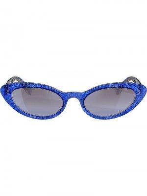 Солнцезащитные очки в оправе кошачий глаз с блестками Miu Eyewear. Цвет: синий