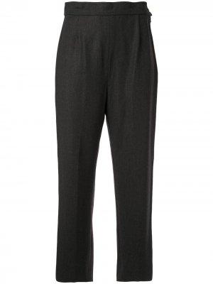 Зауженные укороченные брюки строгого кроя 1993-го года Chanel Pre-Owned. Цвет: серый