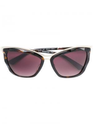 Солнцезащитные очки в оправе кошачий глаз Swarovski Eyewear. Цвет: коричневый