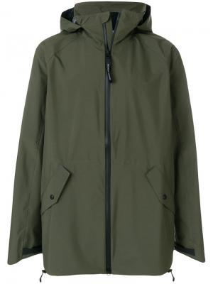 Куртка с капюшоном Canada Goose. Цвет: зеленый