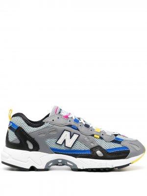 Многослойные кроссовки New Balance. Цвет: серый