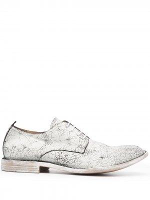Туфли на шнуровке с эффектом кракле MOMA. Цвет: белый