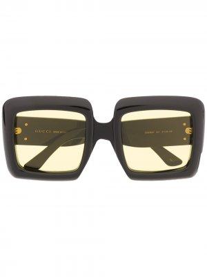 Солнцезащитные очки в массивной квадратной оправе Gucci Eyewear. Цвет: черный
