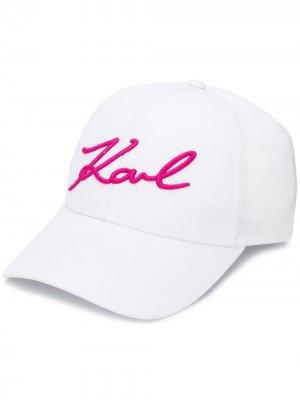 Бейсболка K/Signature Karl Lagerfeld. Цвет: белый