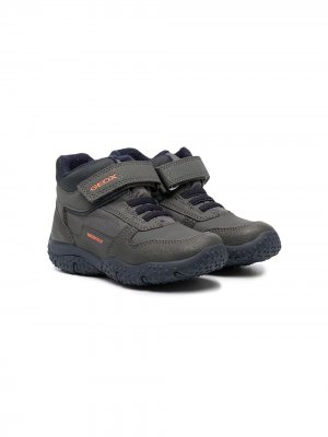 Кроссовки на липучках Geox Kids. Цвет: серый