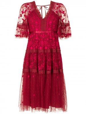 Кружевное платье миди Midsummer с вышивкой Needle & Thread. Цвет: красный