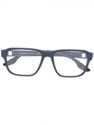 Очки в квадратной оправе Prada Eyewear. Цвет: синий