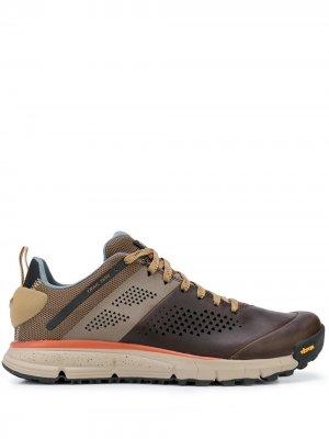 Кроссовки с контрастными вставками Danner. Цвет: коричневый