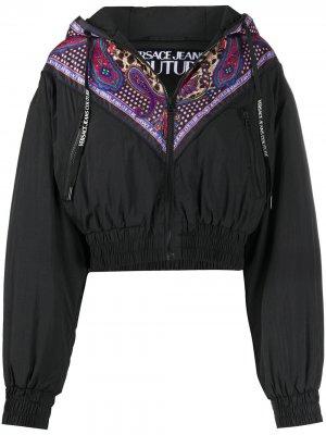 Укороченная ветровка с принтом Versace Jeans Couture. Цвет: черный